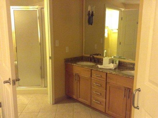 Marriott's Villas at Doral: shower
