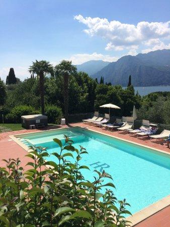 Hotel roma aparthotel malcesine italie voir les - Piscina g conti verona ...
