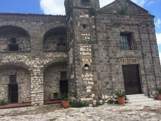Castello medievale foto di rudere del castello medievale for Piani di casa castello medievale