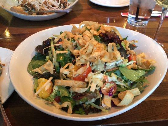 Victor, Nowy Jork: Lemongrass chicken salad