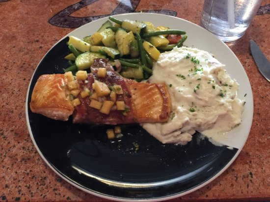 Annawan, IL: Salmon with salsa, mixed vegetables, & garlic smashed potatoes