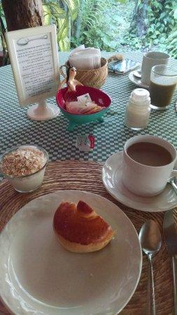 Barrio Latino Hotel: Café da manhã