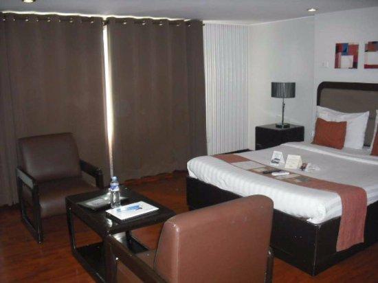 オアシス パーク ホテル    Image