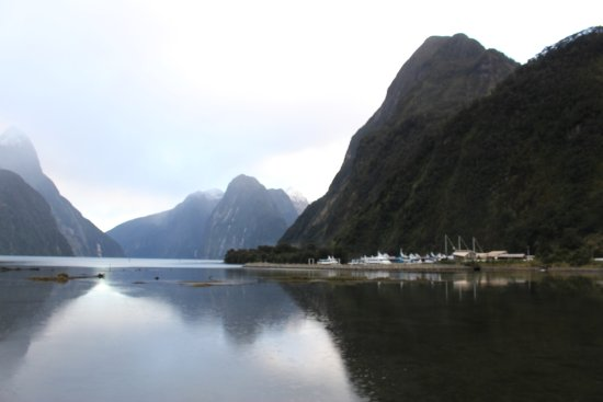 Fiordland Lakeview Motel and Apartments: Milford Sound
