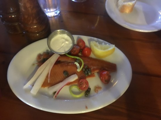 Nora's Fish Creek Inn: Smoked Trout