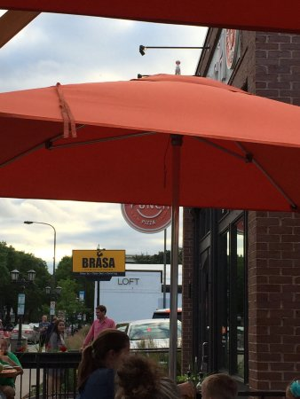 Punch Neapolitan Pizza - Grand Ave.: Nice summer evening. Seating outside. Fast service.