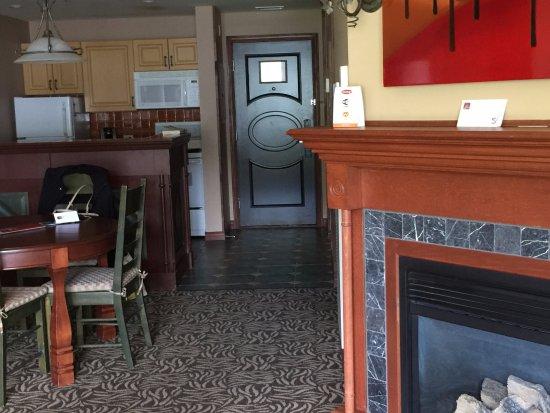 Sommet des Neiges: Even a fireplace!