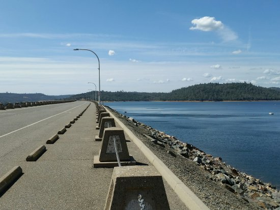 Lake Oroville State Recreation Area: The dam