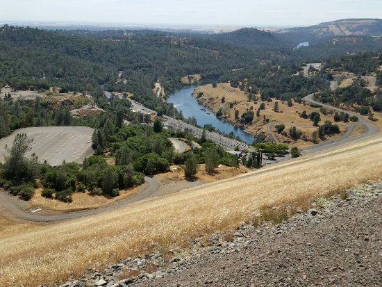 Lake Oroville State Recreation Area: Looking down to the Feather River