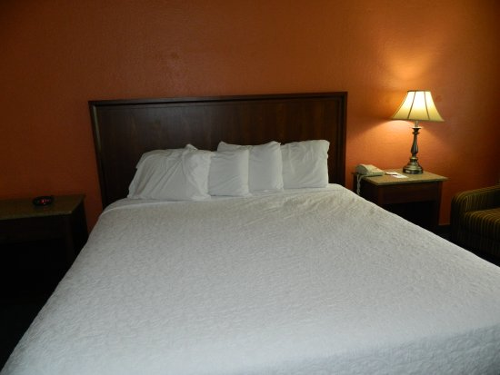 Springfield, OR: King Bed