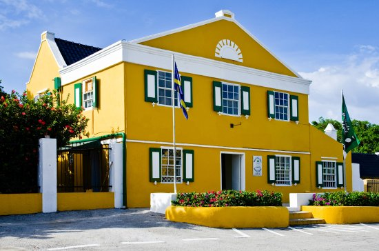 Curacao Liqueur Distillery: Landhuis Chobolobo: Home of the Genuine Curacao Liqueur