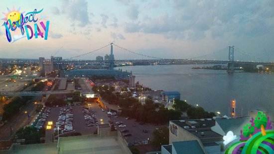 Hilton Philadelphia at Penn's Landing: The view from the 14th floor. Beautiful especially at night.