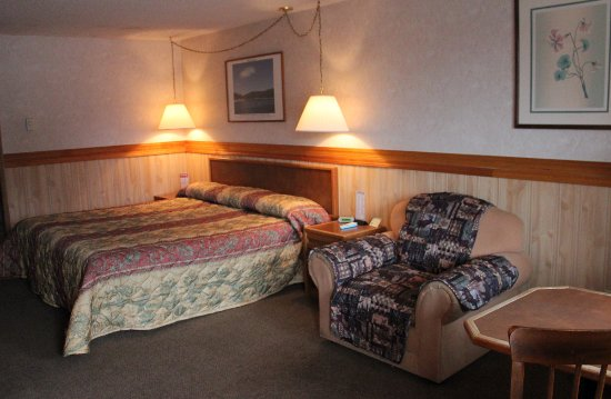Caboose Motel: King Bed