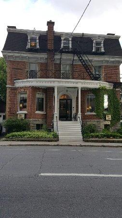 Albert House Inn: 20160612_181242_large.jpg