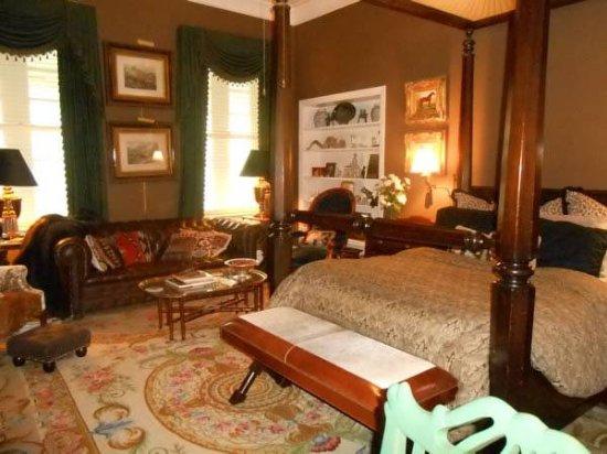 Belle Oaks Inn: Riata Room2