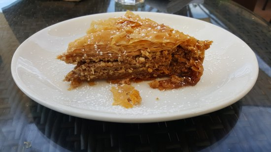 Roslyn, NY: Got to have some dessert! Yes it is baklava and it's really good!