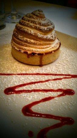 Vina Mara Restaurant & Wine Bar: Best dessert EVER! - Vina Mara baked Alaska