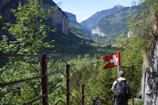 Trummelbach Falls: Walking down the stairs instead of using the elevator