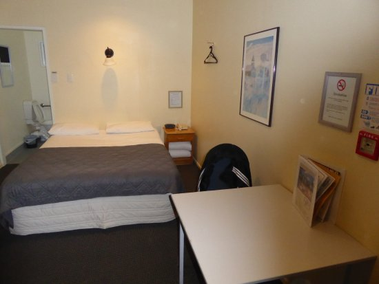 Manukau Heights Motor Lodge: Large room