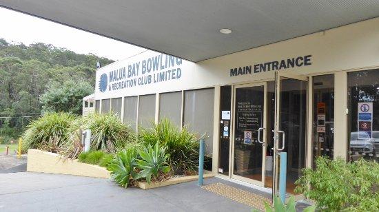 Malua Bay, Australie : Front entrance to Club