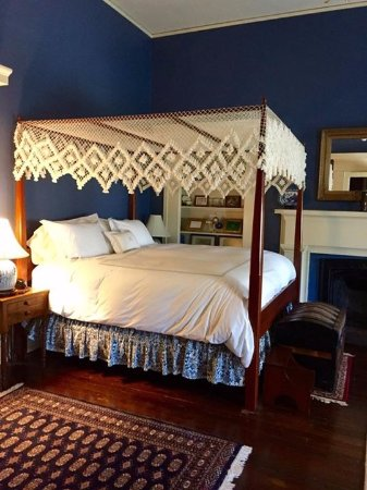 Atwood House Bed and Breakfast : The President's Room