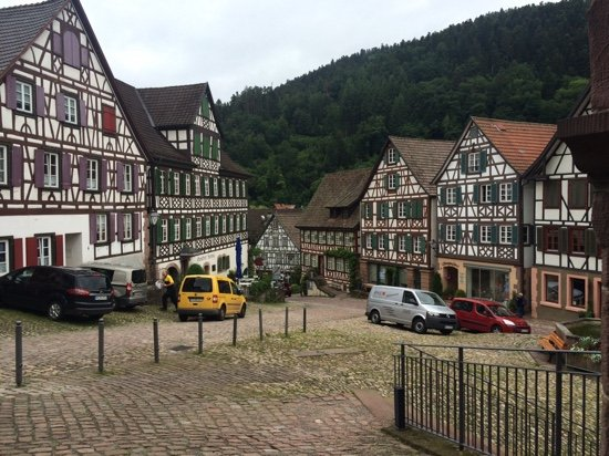 Zur Alten Brucke: The lovely market place Schiltach