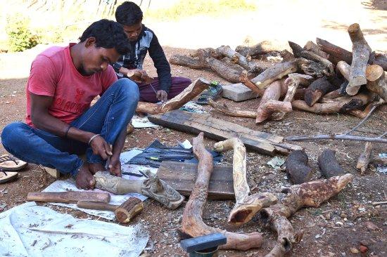Kohka, India: Wood Carving