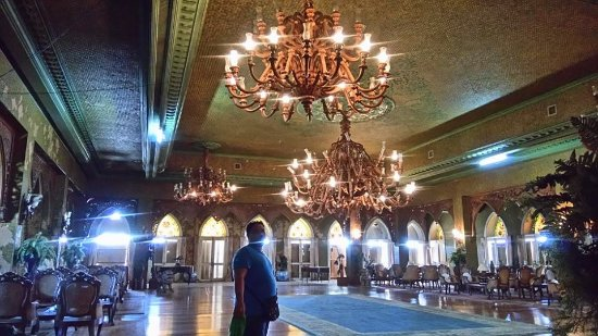 Sto. Nino Shrine and Heritage Museum: The grand ballroom. just don't go under the chandeliers! They might fall off! aww!