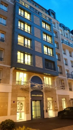 Dsc 8299 Large Jpg Picture Of The Student Hotel Paris La Defense Tripadvisor