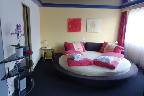 Habkern, Switzerland: Romantik Zimmer