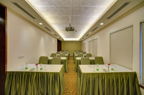 The Muse Sarovar Portico: meeting room