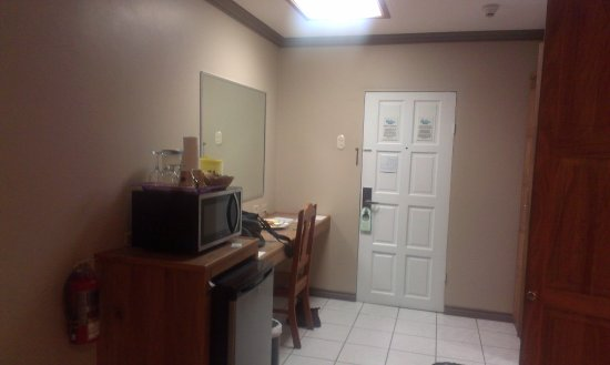 Trade Winds Hotel : Room Entrance!