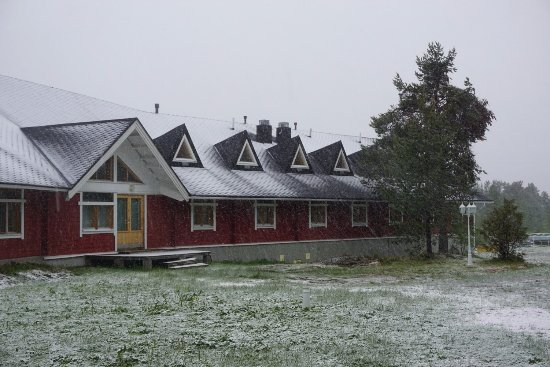 Hotel Hetan Majatalo: The other wing in a surprising snow storm in June