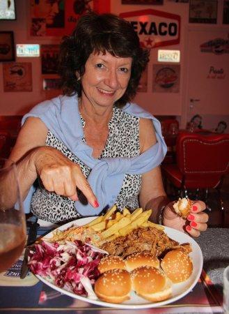 America Graffiti Diner Restaurant Borgo Panigale Pulled Pork Enormous Serve