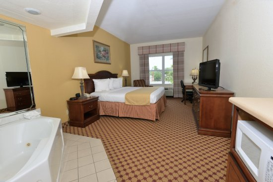 Country Inn & Suites by Carlson - Valdosta: King Whirpool suite