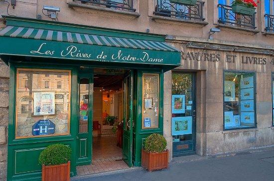 Les Rives De Notre Dame: Exterior2