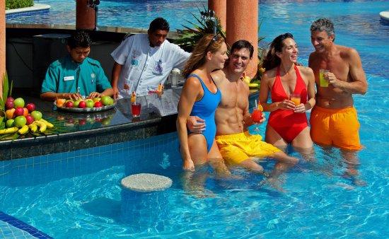 Grand Bahia Principe Tulum : BP Tulum Pool Bar