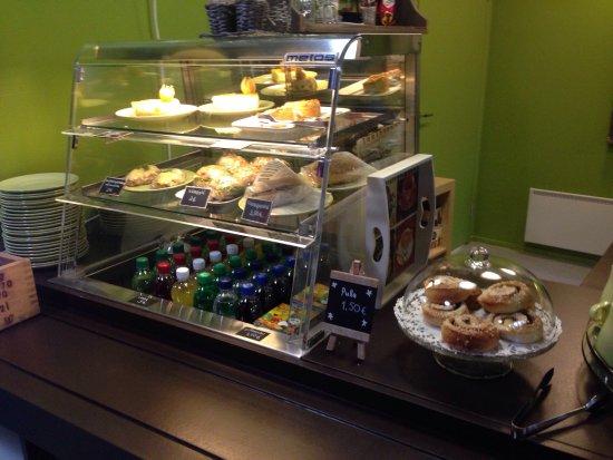 Virolahti, ฟินแลนด์: Bunkkerimuseon yhteydestä löytyy Cafe Bunkkeri, josta kahvin ja teen lisäksi saa muita virvokkei