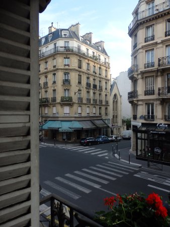 Hotel Saint-Jacques: View from the room window