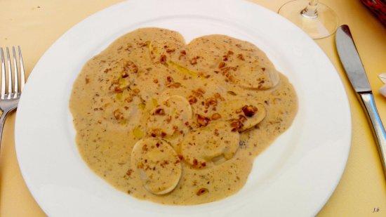 Pozo de los Frailes, Spagna: les ravioles de canard en sauce aux noix et truffes