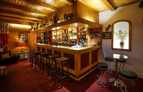 Hotel Chalet d'Antoine: Bar area