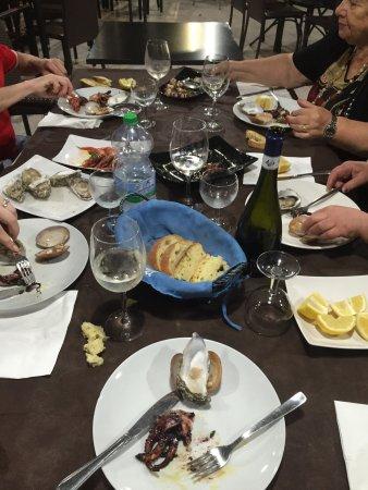 Melilli, Ιταλία: Ho festeggiato il mio compleanno con parenti da Mario e Nerina...tutto spettacolare,pesce fresch