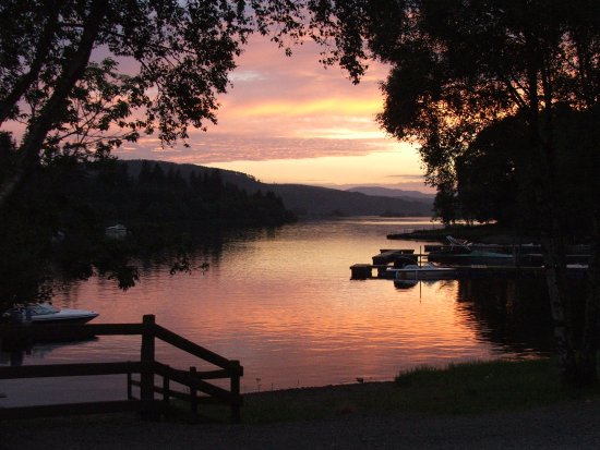 Parton, UK: Sunset at Loch Ken Water Ski and Wakeboard School