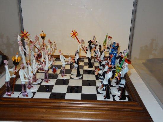 Chrysler Museum of Art : Chess Set in Glass Section