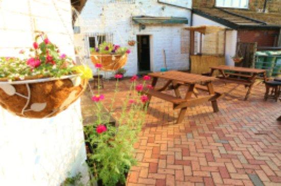 Bolton, UK: Beer and flower garden 3