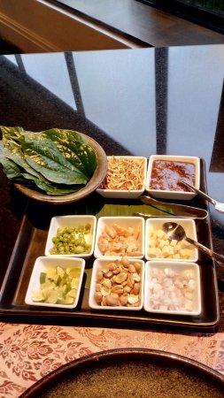 Plaza Athenee Bangkok, A Royal Meridien Hotel: Miang Kham - one bite appetizer