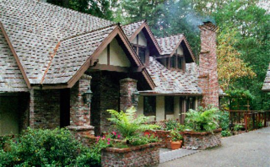 Avalon, a Luxury Bed & Breakfast: Sebastopol in Sonoma County