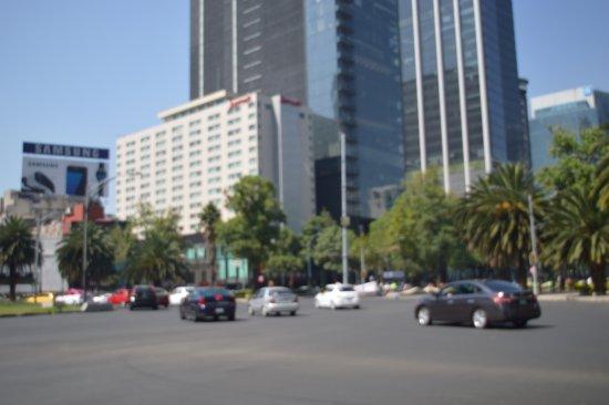 Hotel Premier: Av. Reforma (en las inmediaciones del hotel)