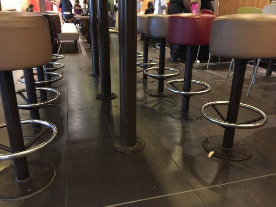 photo2.jpg - Picture of McDonald\'s, Versailles - TripAdvisor