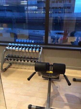 Sheraton Zurich Hotel: Gym equipment